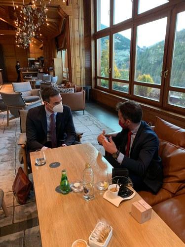 Pere López es reuneix amb Pedro Sánchez