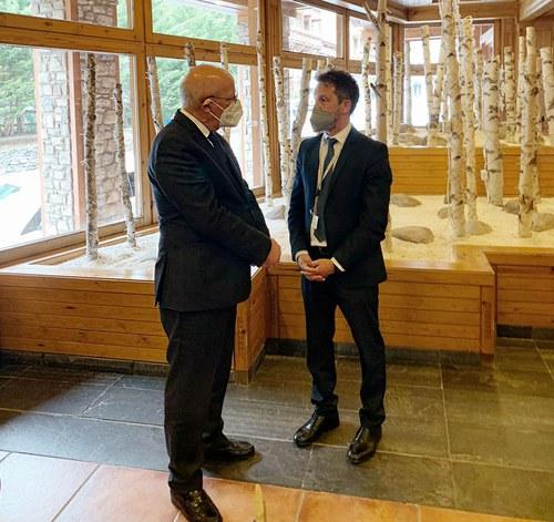 Pere López exposa la situació de la comunitat portuguesa a Andorra al ministre Santos Silva