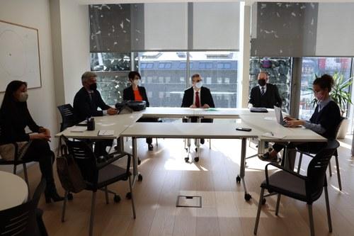 Salazar i Miró recullen la preocupació d'un grup d'advocats